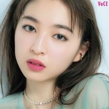 "paku☆chanさんが推す春のトレンド肌は""透けるエモ肌""♡"