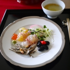 あけまして、柚子かまぼこパスタ おせちの残りでサッと一皿