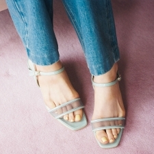 足元をキレイに見せる「ペディキュアカラー」BEST5【塗り比べ付き】CHANEL・Dior・RMK・ルナソル・エレガンス クルーズ