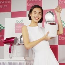 水原希子さんも夢中♡パナソニックビューティ「キレイを贈るクリスマス」カフェがオープン![PR]