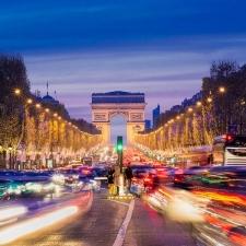 パリの大気汚染は中国と同レベル?パリジェンヌ必携の対策コスメはコレ!