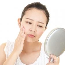 【ツボ押しで体質改善③】美容のためのツボ8選!|目元の小じわ・ほうれい線・たるみに効果絶大!