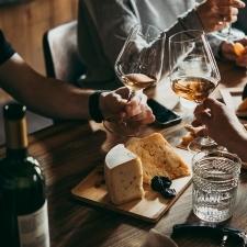 日本人でお酒に強いのは◯◯%!隠れアルコール依存症チェックリストも!【イケメンドクターの美容論vol.7】