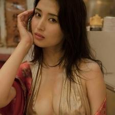 橋本マナミ 最新写真集『#びちょびちょ』9月30日に発売決定!!