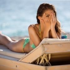 海に入っても落ちない眉アイテムに、にじまないマスカラ☆絶対落ちないポイントメイク&ワザ