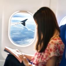 飛行機の機内で肌が乾かないようにする簡単テク