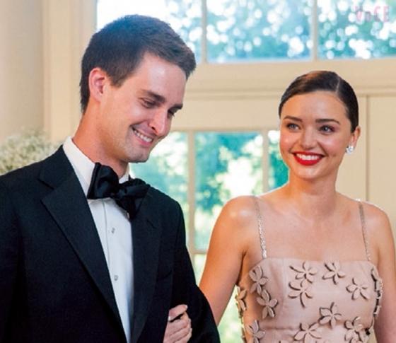 ミランダ、ついに億万長者CEOと婚約!インスタで婚約指輪をお披露目♡