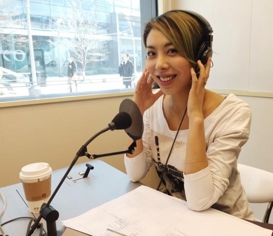 シンガーソングライター・LOVEの美に効く音楽:小顔美女ソング