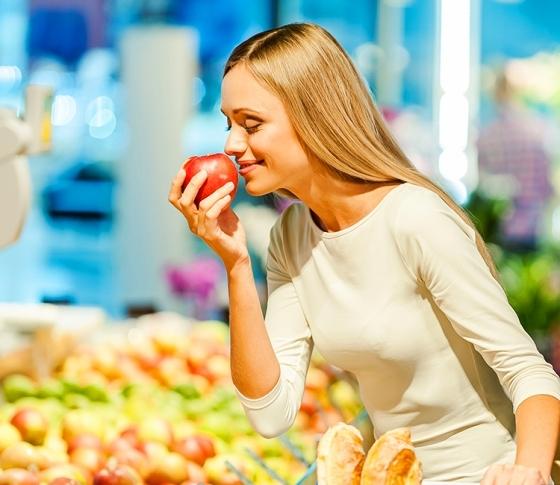 毎日食べたい「白髪予防フード」4種【原因は栄養不足!?】