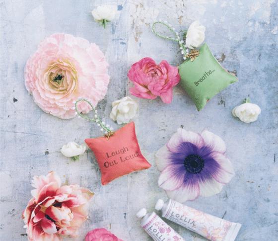 花を連想するコスメで、この春、女を磨く
