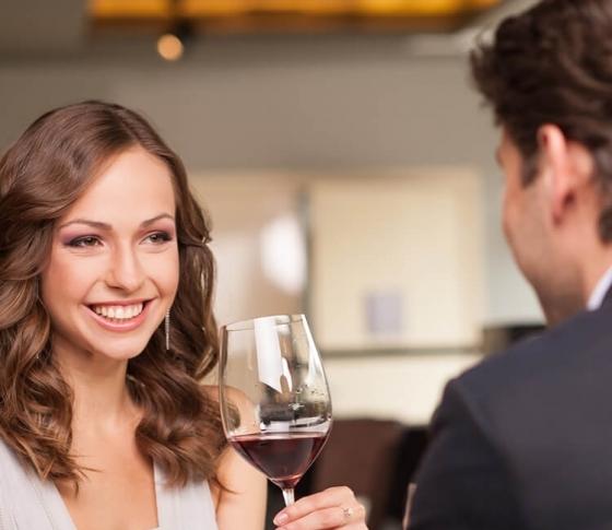 【酒豪女子に捧ぐ!】飲めない男性はお酒好きの女子をどう思ってる?
