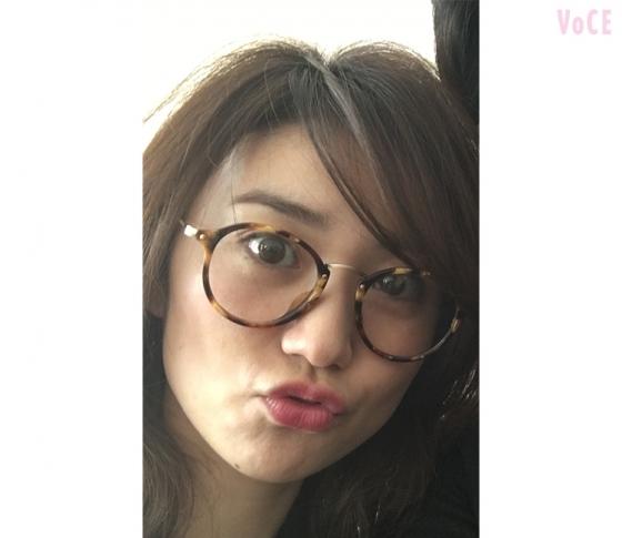 大島優子めがねに胸キュン♡ 今月号は「めがねメイク」