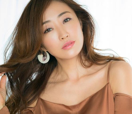 神崎恵の美肌の秘密♥ コスメデコルテの新作ファンデーションがスゴイ!【PR】