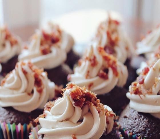 無性に甘いものが食べたくなるのを防ぐことはできる?【ビューティQ&A】
