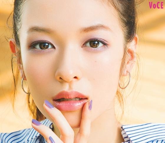 大人のためのメイク論【透け×艶唇】がアラサーの色気に最適!