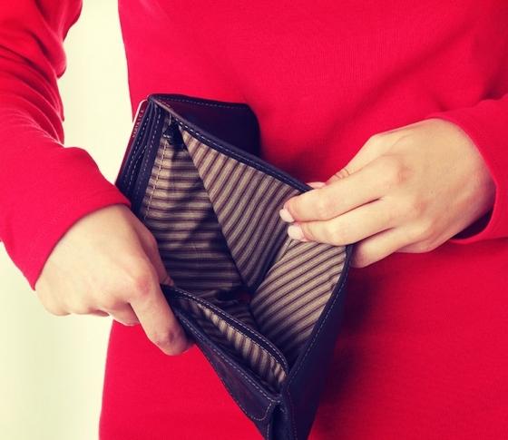 【貯金できない女子あるある】プチ贅沢で金欠になるワケ