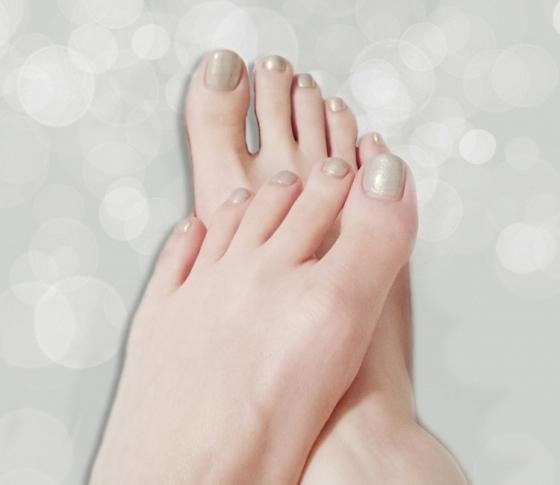 来春には復活♡消えた「足の小指の爪」が生き返るケア4つ