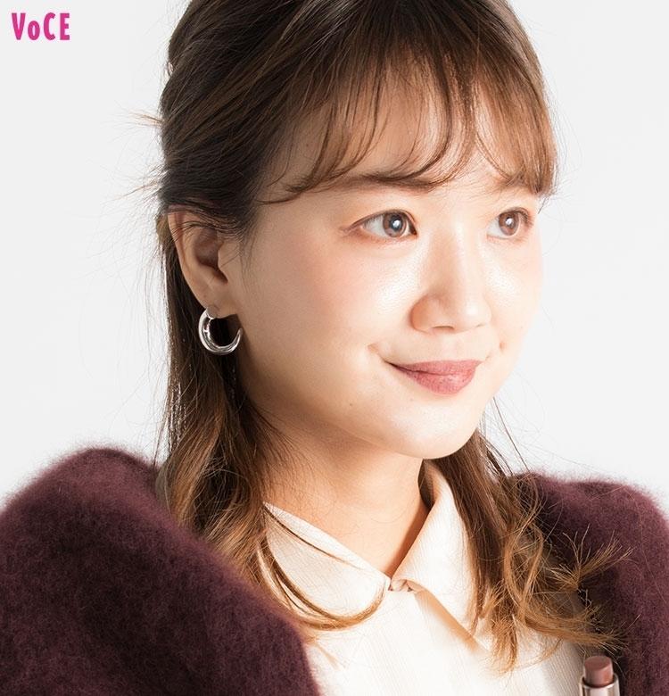 【VOCEエディターの1週間メイク着まわし】 渡辺瑛美子 DAY5「オシャレな女友達とご飯会」
