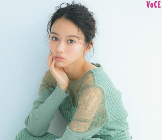 注目の若手女優【山本舞香】|速攻、毛穴レス肌になれる炭酸ミストって?