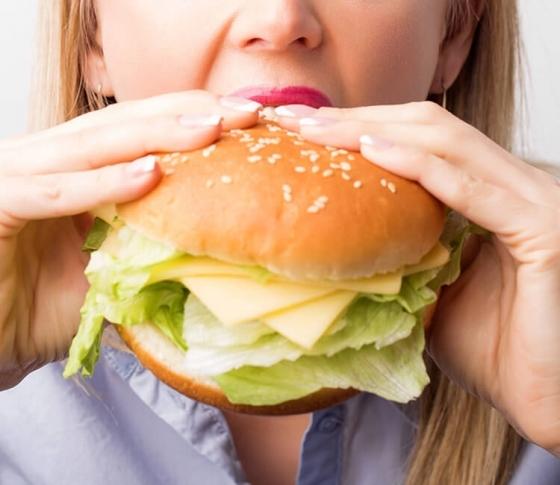 【最先端の研究で明らかに!】「食べる時間」を間違えると、たった1週間で肥満になります