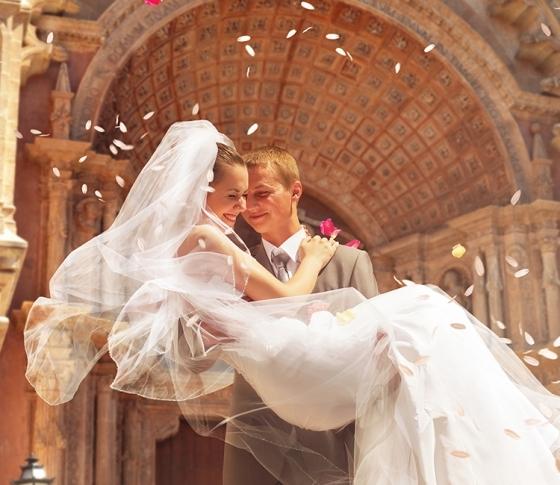 人気占い師イヴルルド遙華先生が教える!幸せな結婚をつかむためにすべき10のこと。