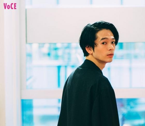 話題作に続々出演中! いま一番気になる若手俳優・岩井拳士朗さんが愛情を注ぐもの、それは……!?【VOCE♡YOU】Vol.5