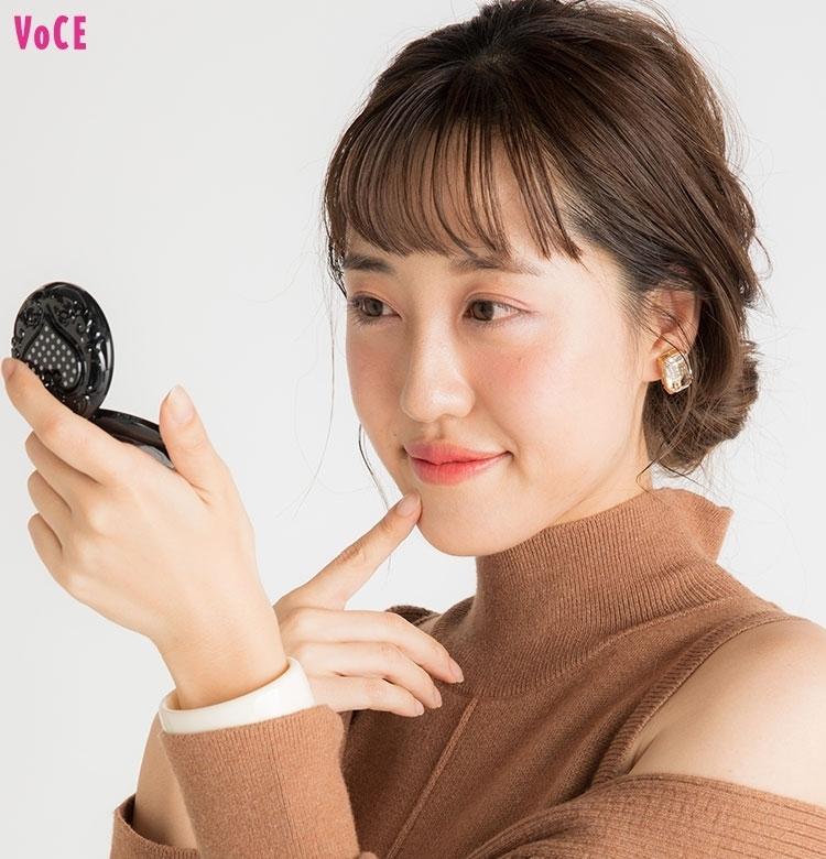 【VOCEエディターの1週間メイク着まわし】河津美咲 DAY3「チークが主役の可愛げ増し増しメイク」