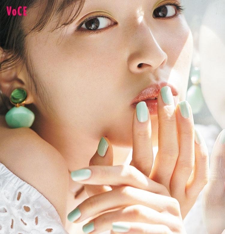 甘くて爽やかな「アイシーグリーン」はこの夏のitネイル!Dior、ルナソル、ネイルホリック……注目ブランドの夏ネイルを塗り比べ