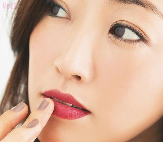 """神崎恵さんの美人見えメイク♡誰にでも似合う秋のItカラー""""バーガンディ""""赤リップ3選"""