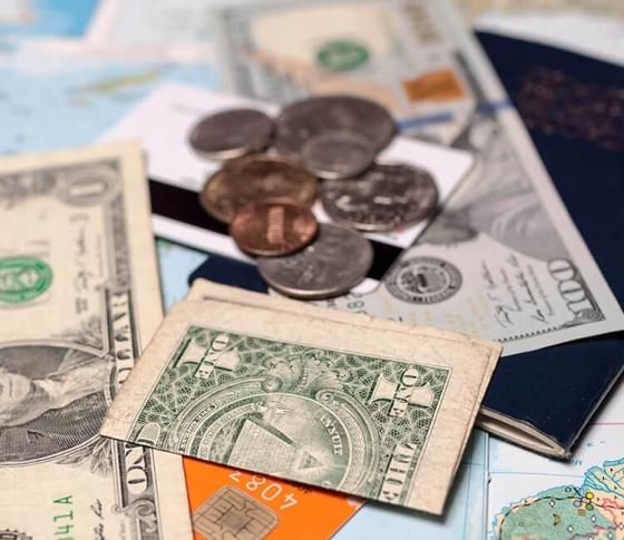 旅行前に知っておきたい、「お得度の高い」外貨の支払方法