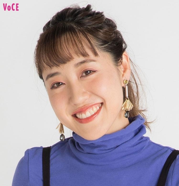 【VOCEエディターの1週間メイク着まわし】河津美咲 DAY6「おしゃれスタイリストさんとの打ち合わせはモードなメイクで!」