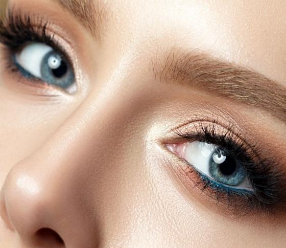 【脱すっぴんブス】寝起きから美人! 時短にもなる眉ティントを使いこなせ。