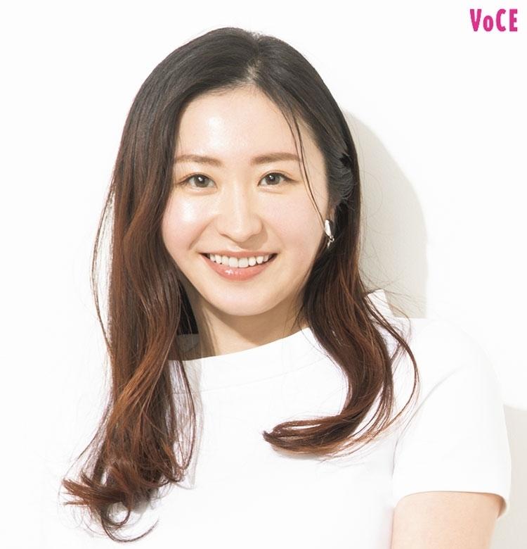 おしり先生・田口咲さん|白美肌を作る、コスメとサプリの合わせ技【私の白肌ビューティ】