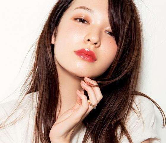 常駐華語翻譯:在松本清銀座5號店能買到的『VOCE』最佳化妝品是?