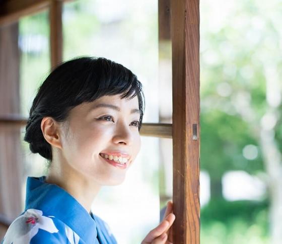 日本人女性に絶対似合う浴衣は……◯◯だった!【河村公美が教える、大人の浴衣の着こなし】