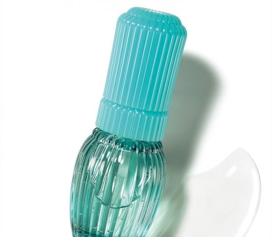 肌の熱中症対策!アユーラのクールな美容液で夏の肌トラブル改善を♪
