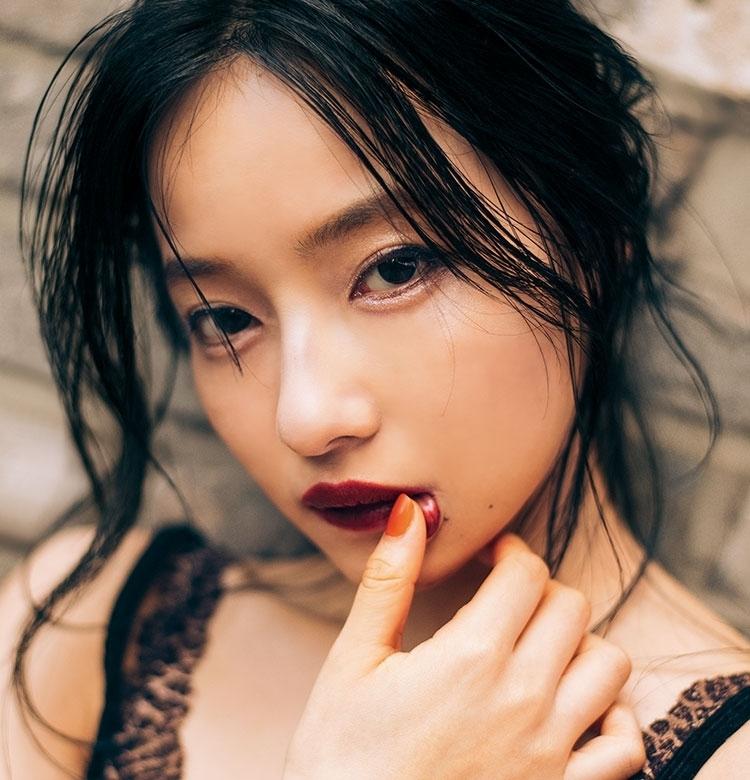 """""""S""""なボディラインで話題沸騰!NMB48・村瀬紗英のボディメイク術"""