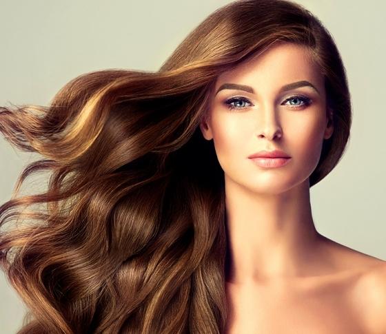 顔だけで満足してない?週に1度の「頭皮クレンジング」で輝く美髪を手に入れて