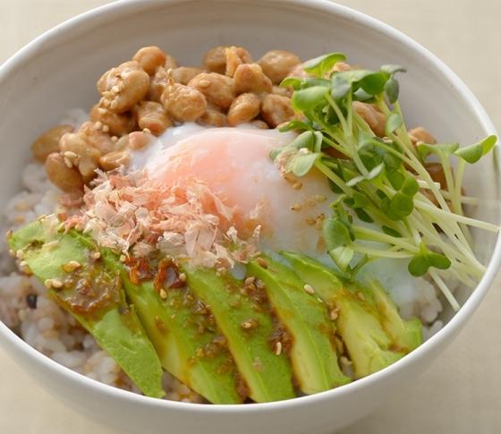 カロリー不足は、かえって太る!? 細川モモさん提唱「脱・低カロリー」の新ダイエット理論とは?