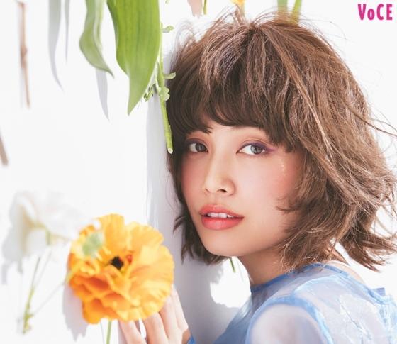 垣内彩未が提案する「お花メイク」は透明感×スモーキーがかわいい♡