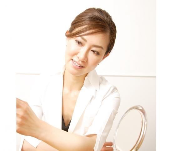 顔を若返らせたいときの美容医療は○○がオススメ!【ビューティQ&A】