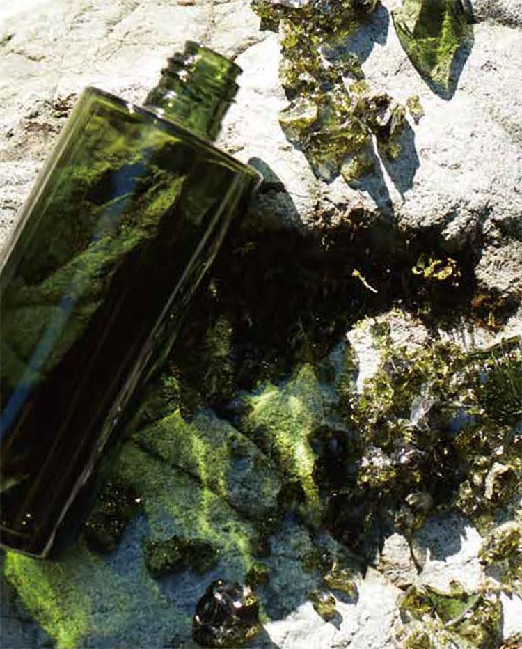リサイクルガラス使用率は90%