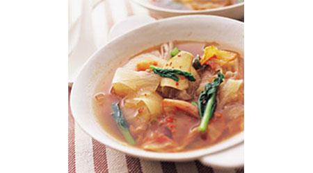 鶏肉と大根のキムチスープ