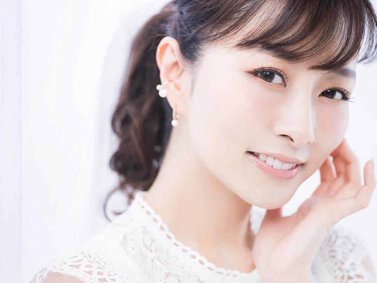 石井美保さん透き通るような肌を実感