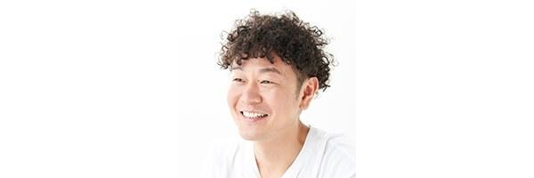 VOCEウェブサイト副編集長/コスメLOVERSクラブ管理人 渕祐貴