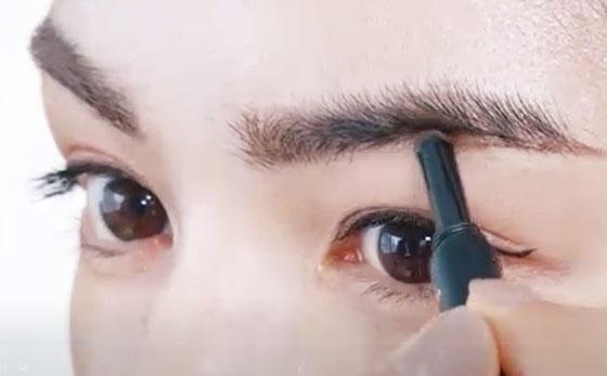【メイク編】河北裕介さん:彫り深顔に魅せる眉メイク