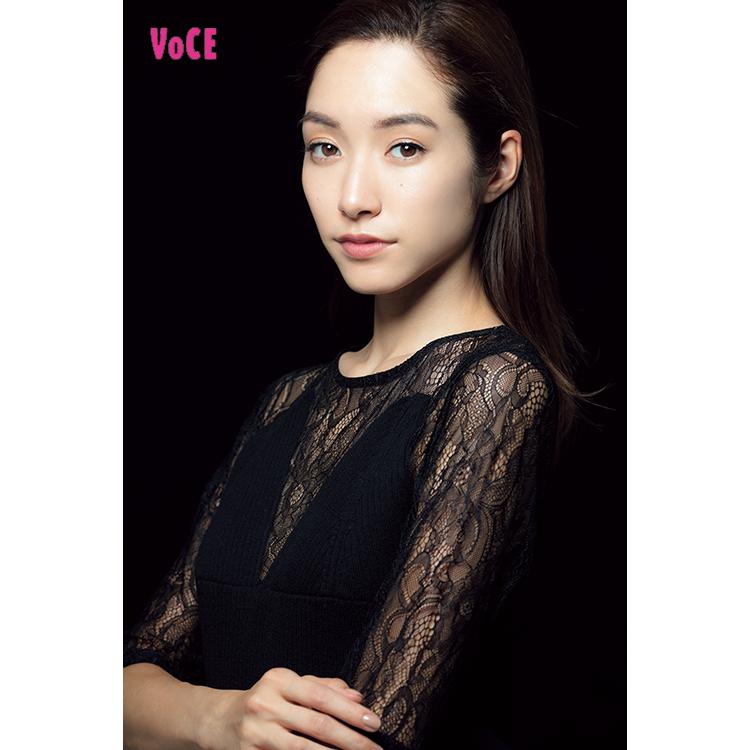 VOCE2018年11月号 吉田沙世