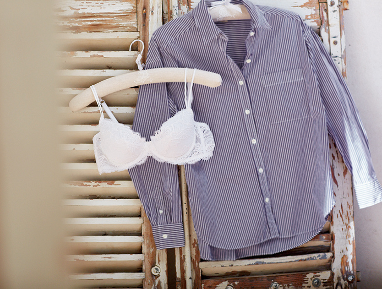 メンズシャツ×イノセント白レースブラ