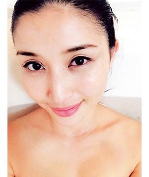 """自宅風呂の半身浴で汗まみれ""""ゆたんぽのような女""""に❤"""