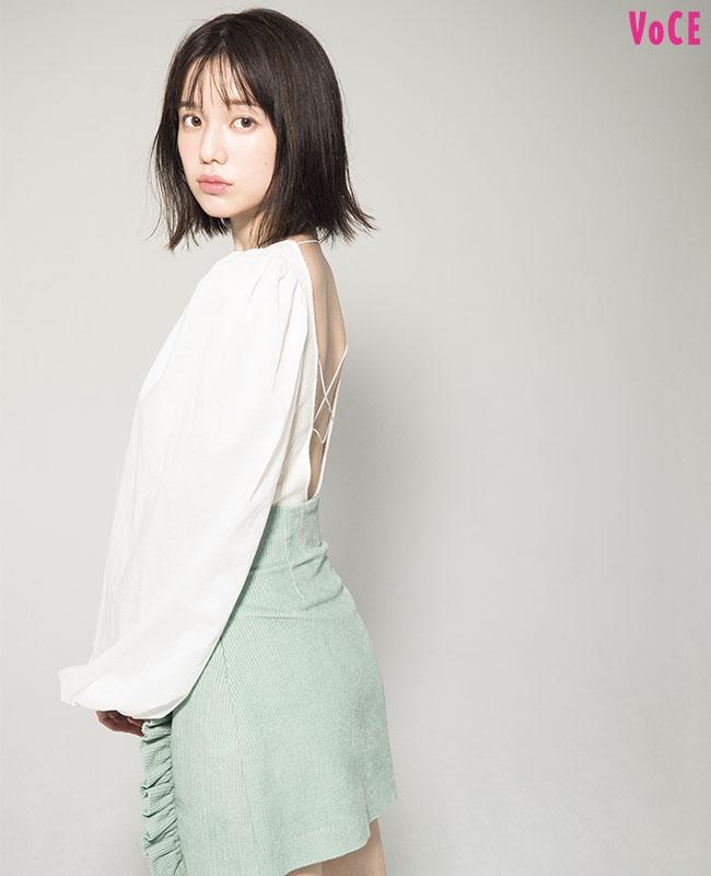 VOCE2019年12月号 弘中綾香